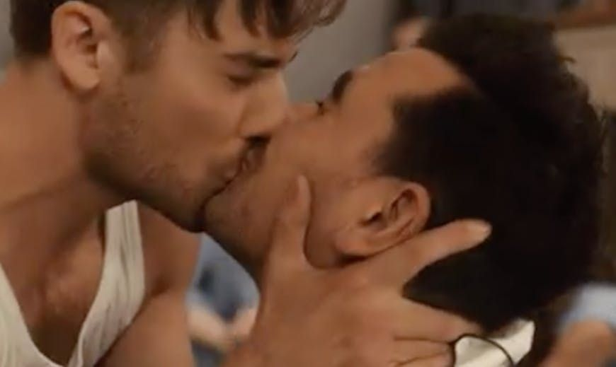 "EMMY Winner for Best Comedy ""Shitts Creek"" 2020 famous Gay Kiss"