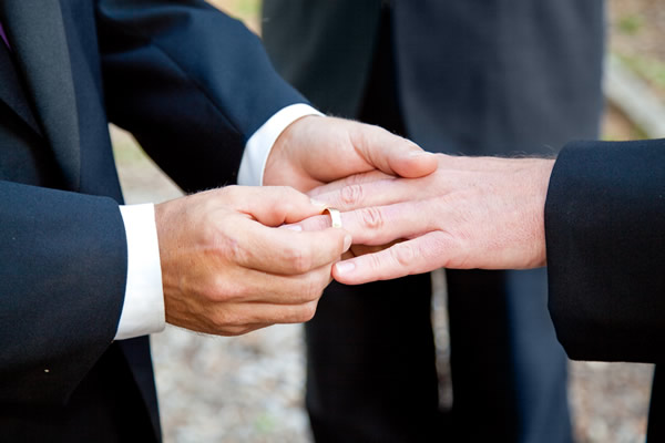 same-sex_couple_wedding_insert_by_Bigstock