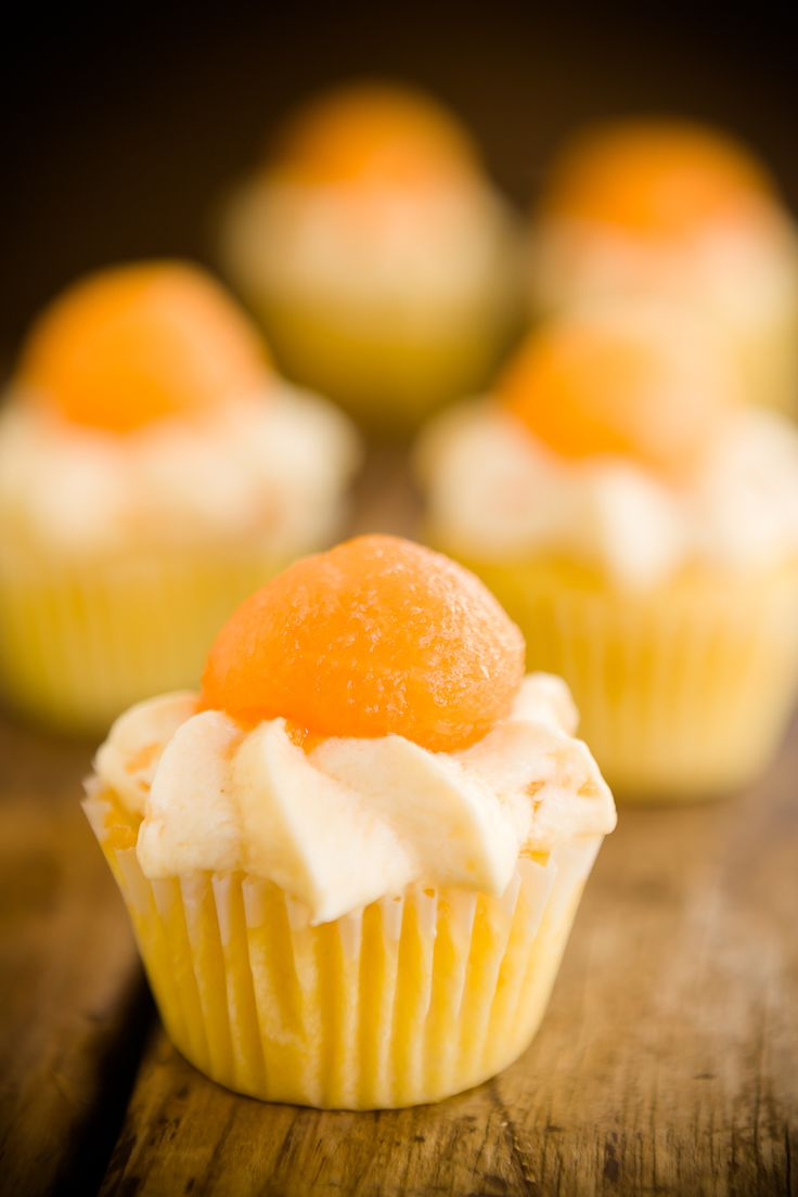 cantalopup_muffins_with_eggs