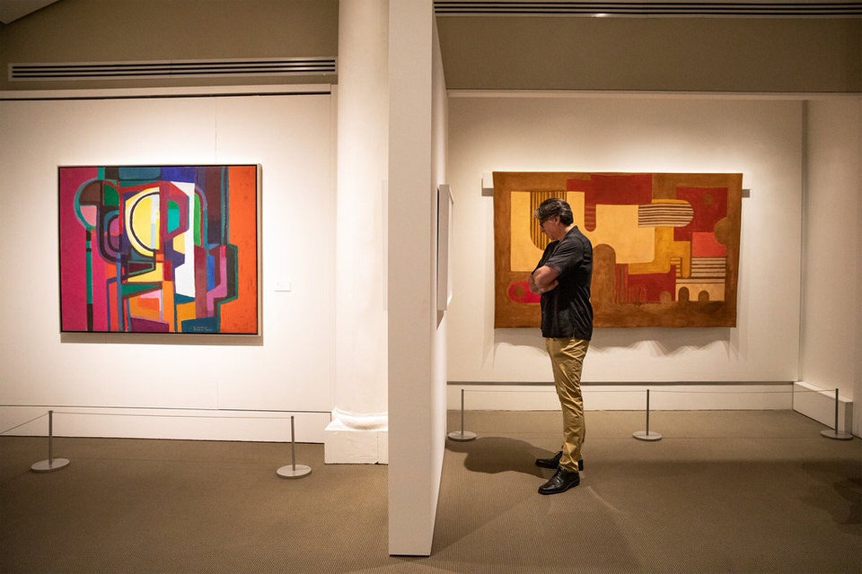 At left Untitled 1970 and at right Untitled 1966. 1 1