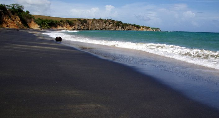 Black_Beach_Costa_Rica