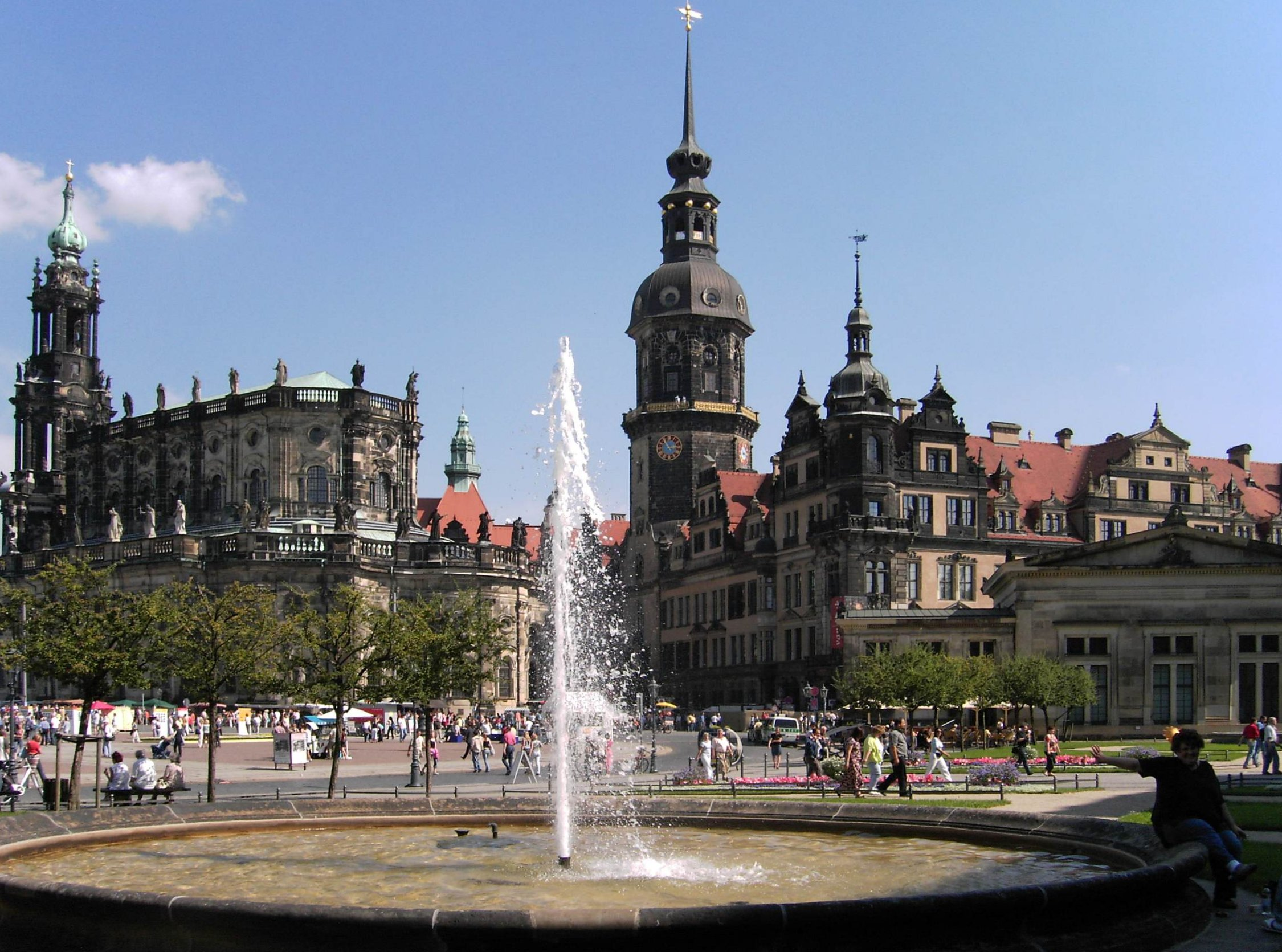 Dresden-Schloss.and.Dom