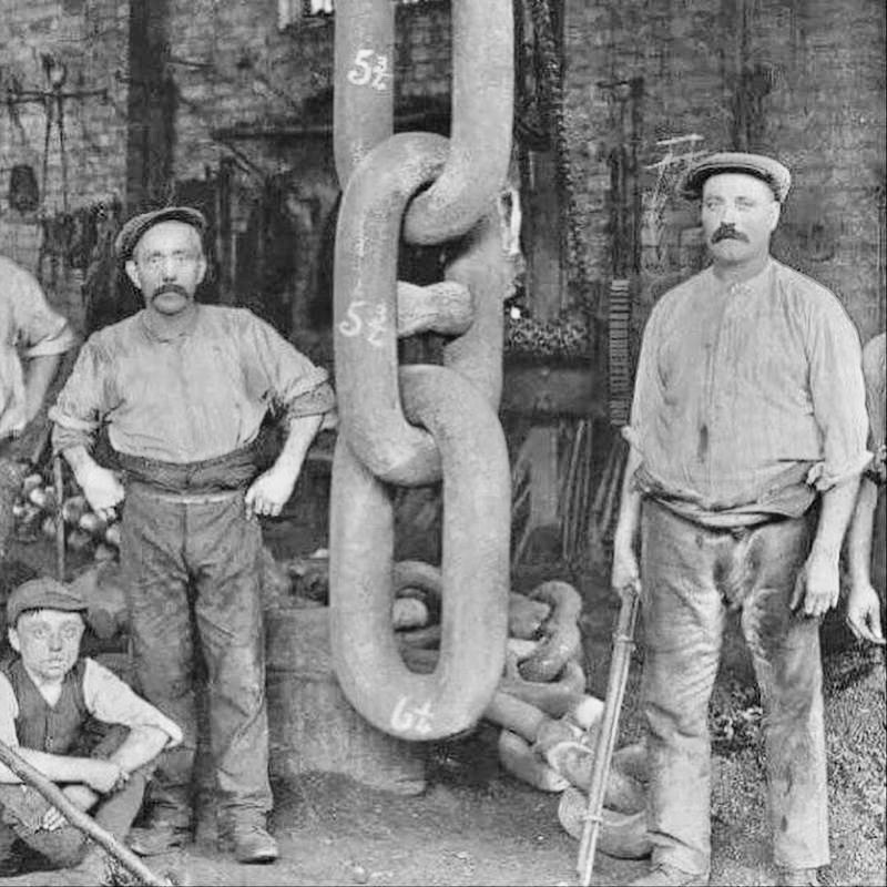 Workers forging the chain for the Titanics anchor in 1910
