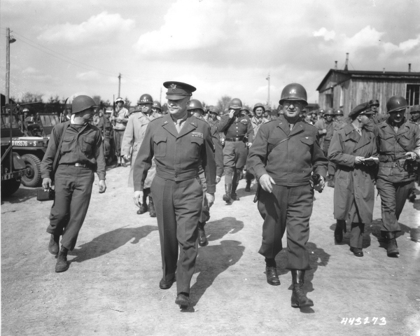US_General_Dwight_D._Eisenhower_and_General_Troy_Middleton