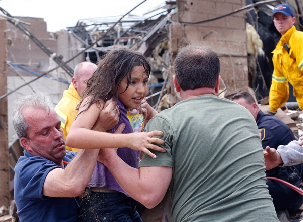 oklahoma_tornado_surviver_girl