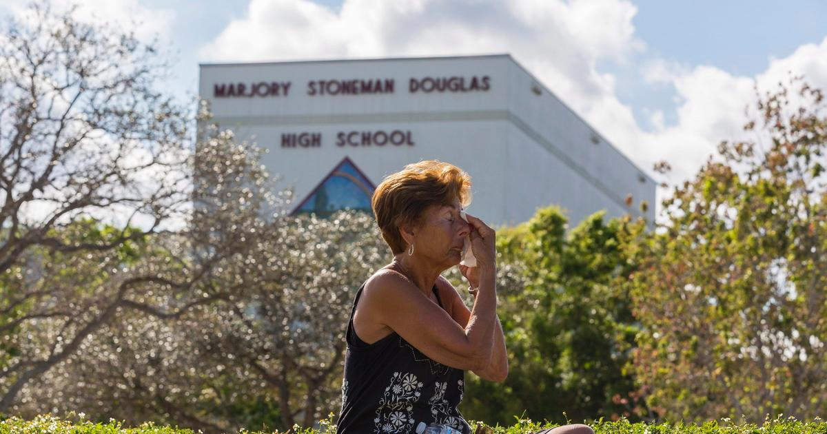 memorials florida high school massacre