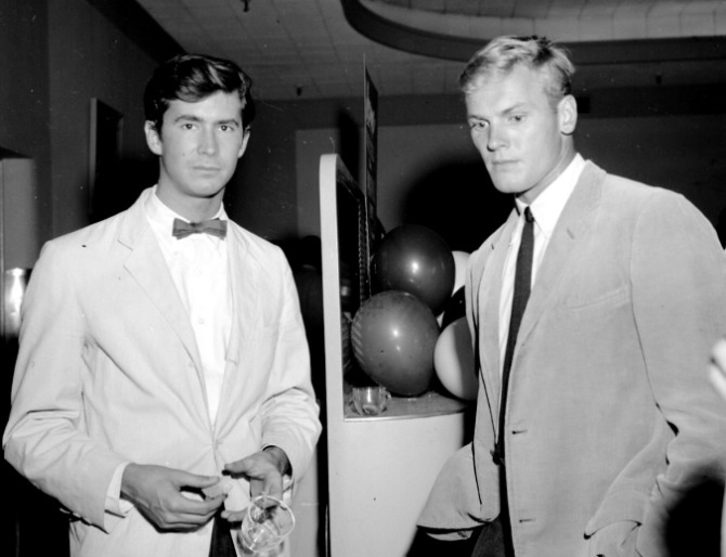 tab hunter anthony perkins 670x514
