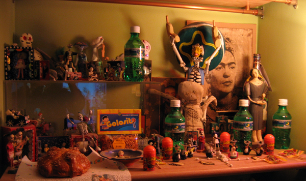 Day_of_the_Dead_altar