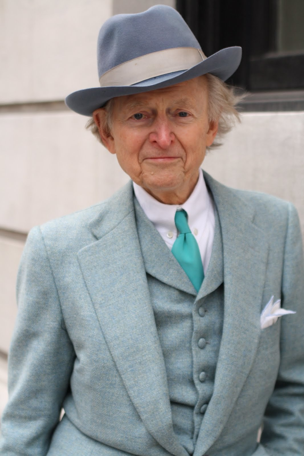 Tom Wolfe green gray w hat