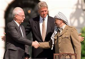 Yitzhak_Rabin_Yasser_Arafat_Bill_Clinton_Oslo_Agreement