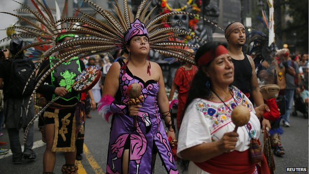 Climate_Protests_Ny_Indigenous_people_costumes