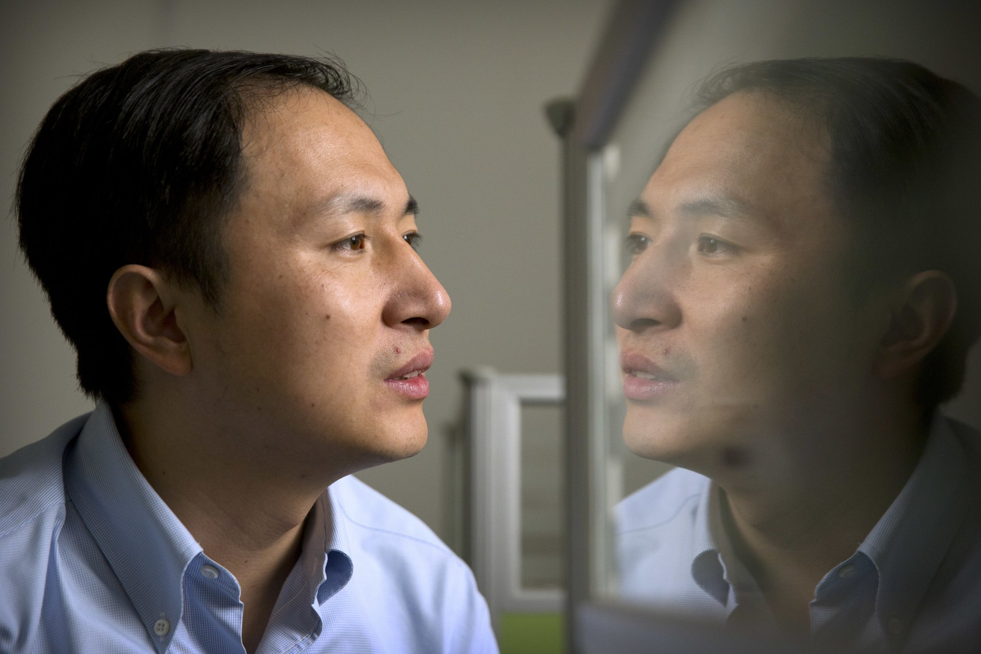 Chinese Dr working on Stem Cell