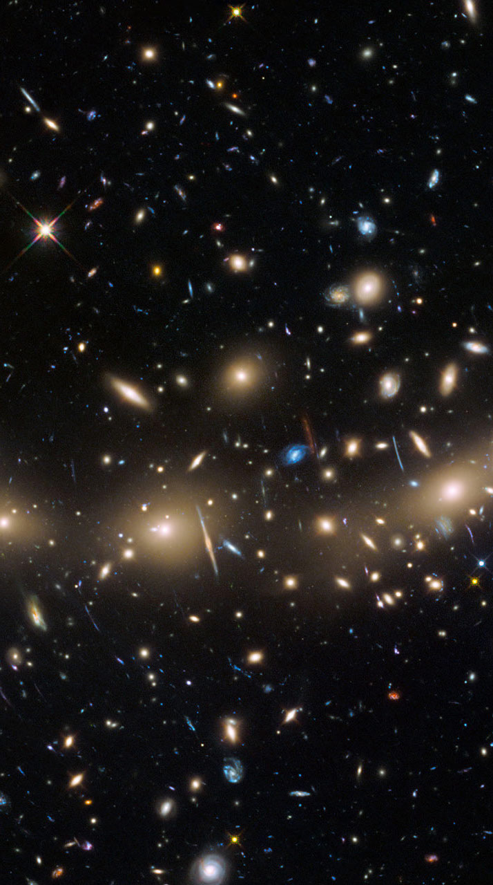 A relatively nearby galaxy cluster MACSJ0416.12403