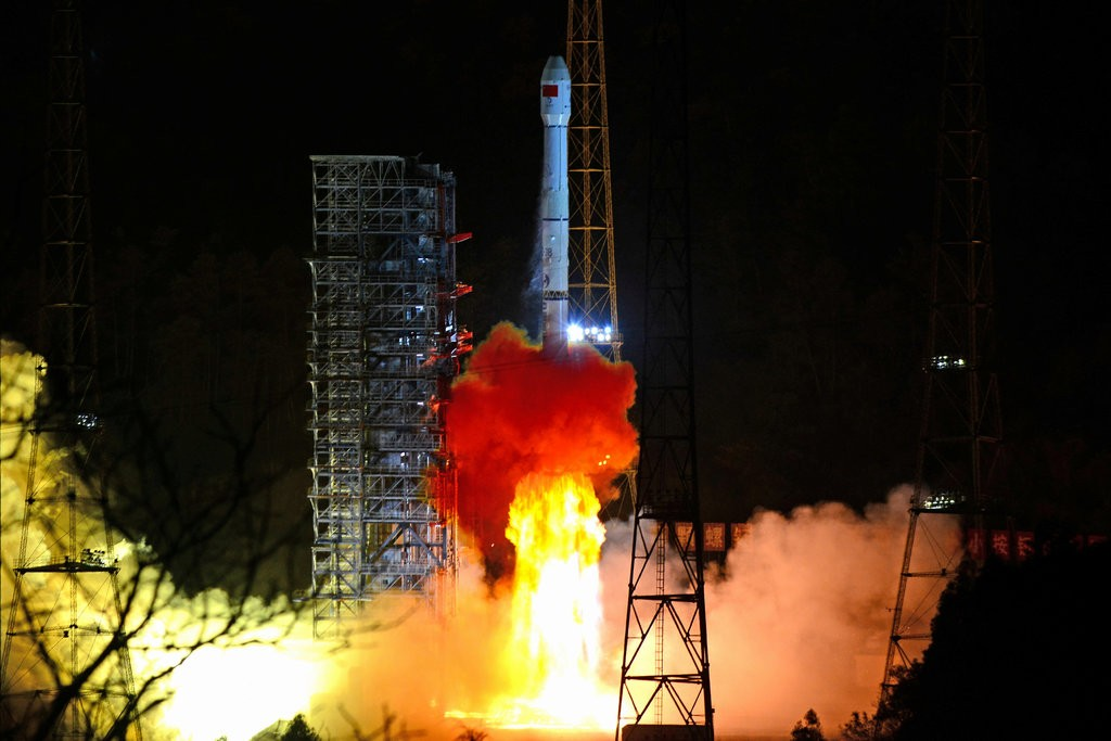 Launch of Chang e4