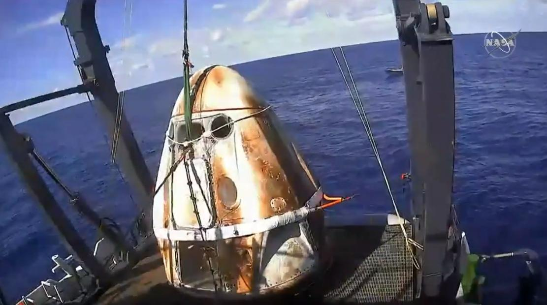 Dragon Capsule recovered from Atlantic Ocean
