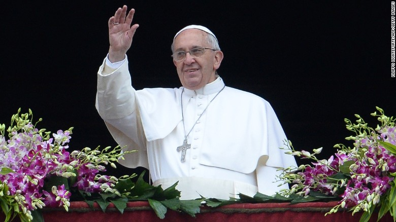 Pope_Saluting_with_Silver_Cross